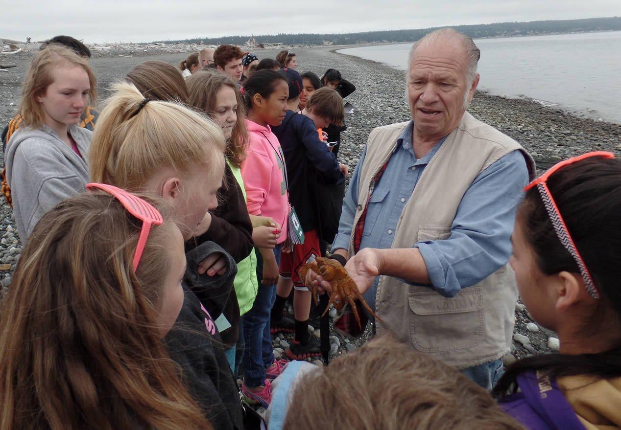 Camp Casey Outdoor Education Beach Seine Program.