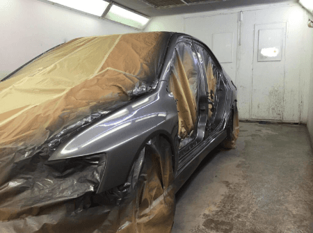 car during spray painting