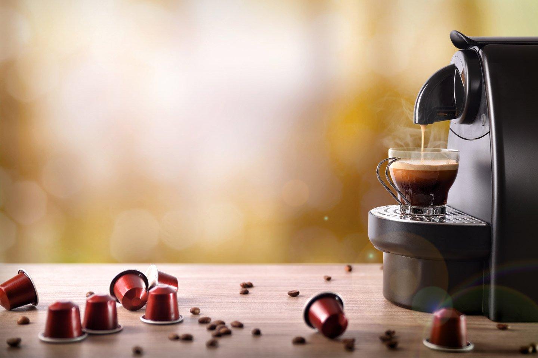 Macchinetta del caffè in azione