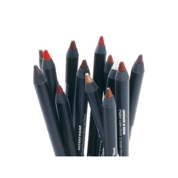 delle matite per gli occhi e per le labbra waterproof