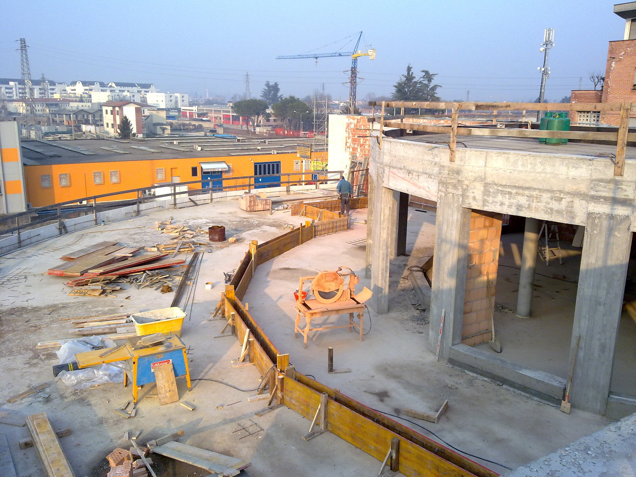 cantiere, casa in costruzione