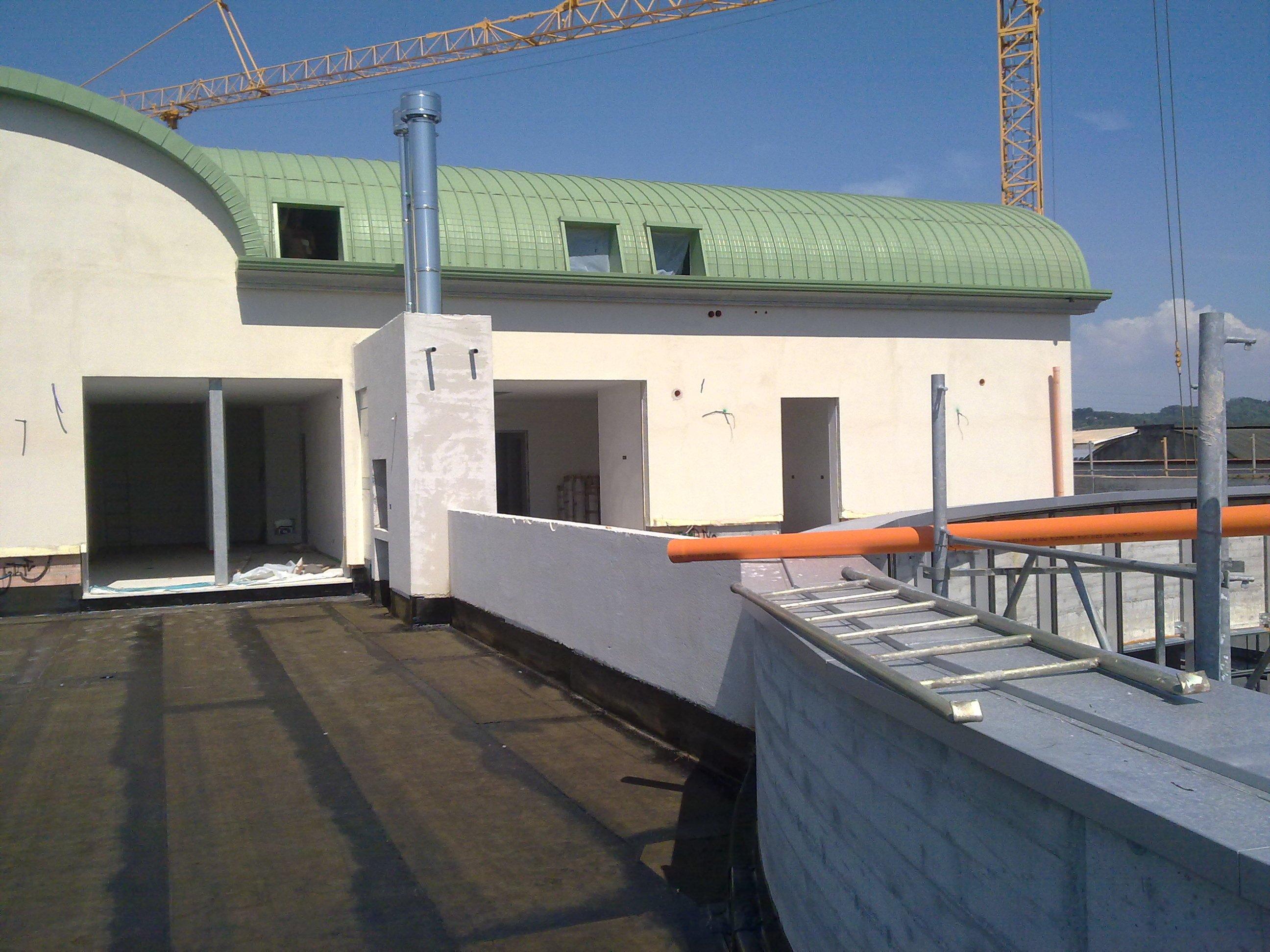 particolare della veranda di un edificio in costruzione