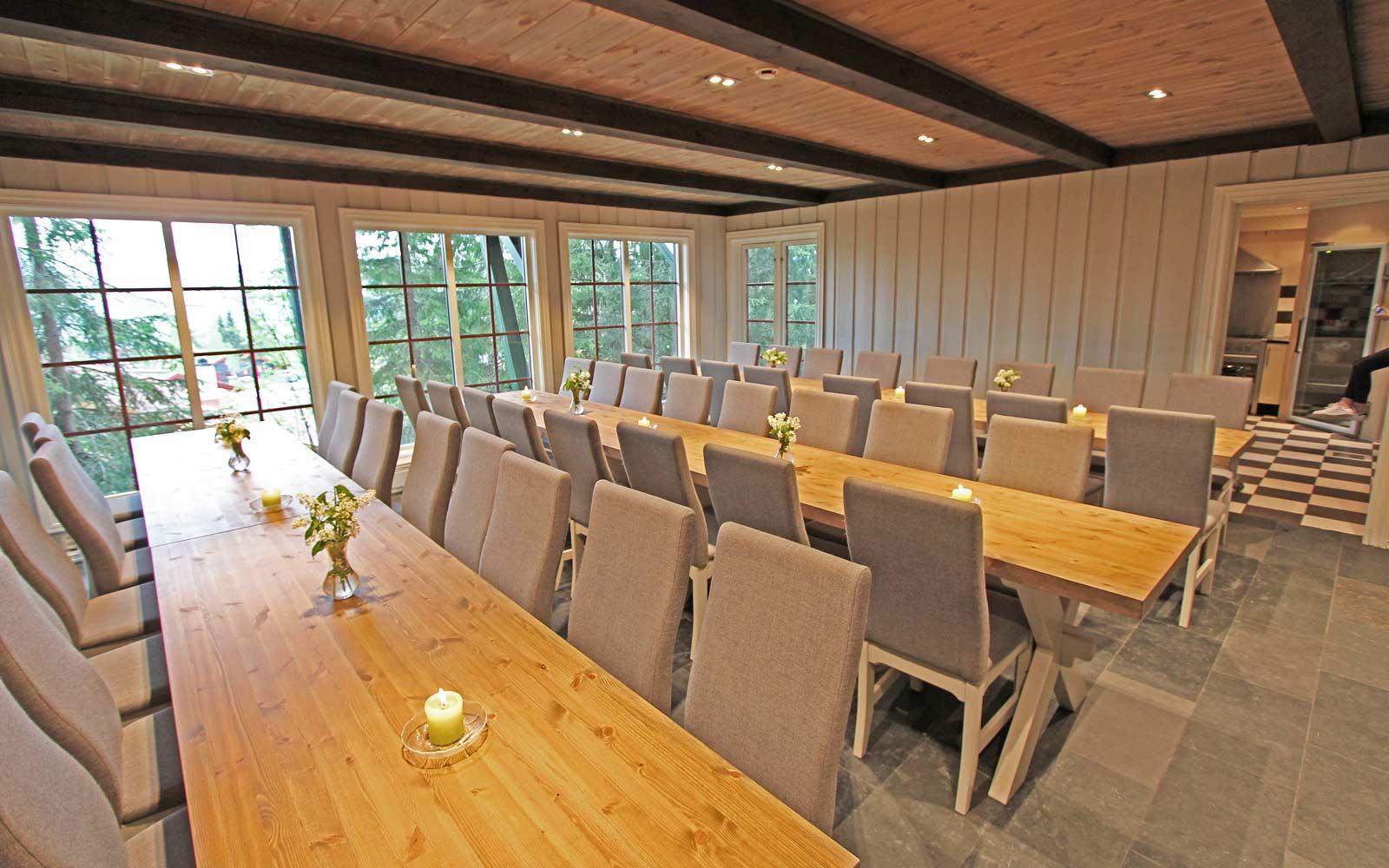 Spisesalen i hytte Gamleskogen - Sjumilskogen booking Trysil