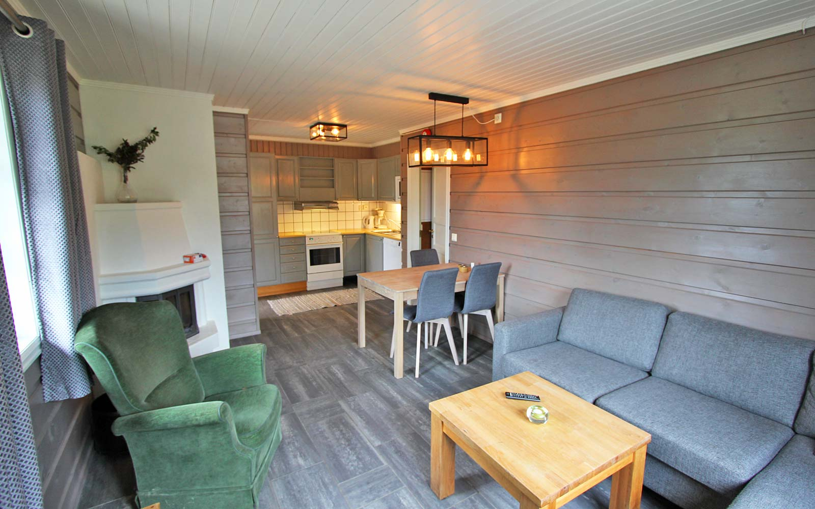 Stue og kjøkken 2 i leilighet Stallen - Sjumilskogen booking Trysil