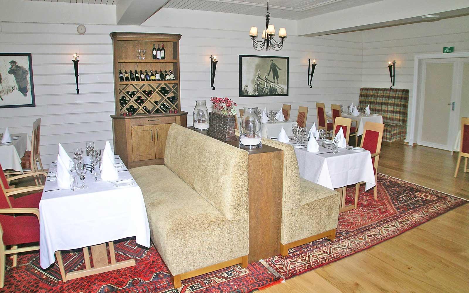 Trysil-Knut Hotell restaurant 2 Sjumilskogen booking Trysil