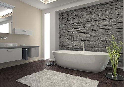 un bagno moderno con vista di una vasca