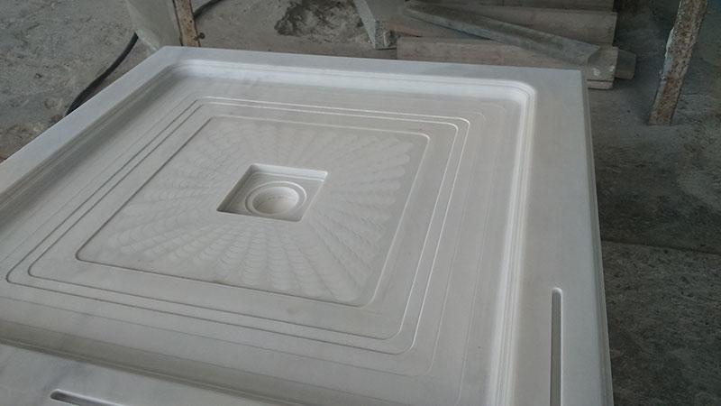 piatto doccia in marmo bianco puro