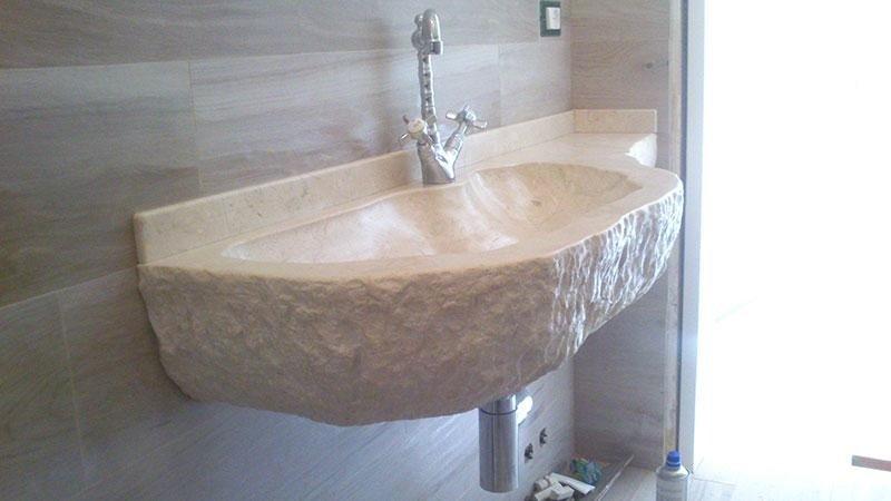 lavabo in massello anticato