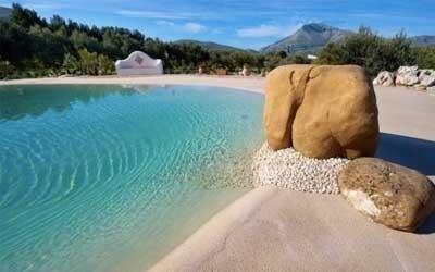 Piscina a skimmer tipo spiaggia