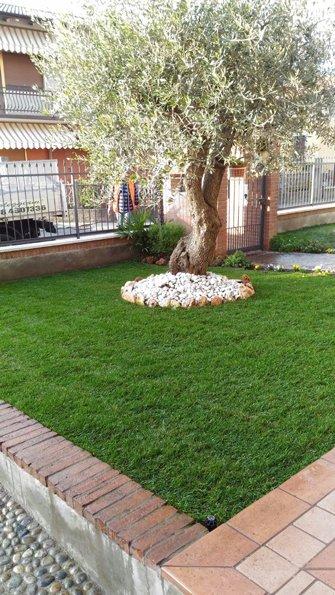 vista angolare giardino privato