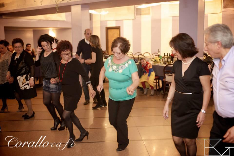 delle signore che ballano