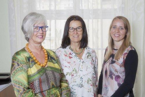 Le dottoresse Barbara Dengg Kusstatscher e Klara Dellantonio con un cliente