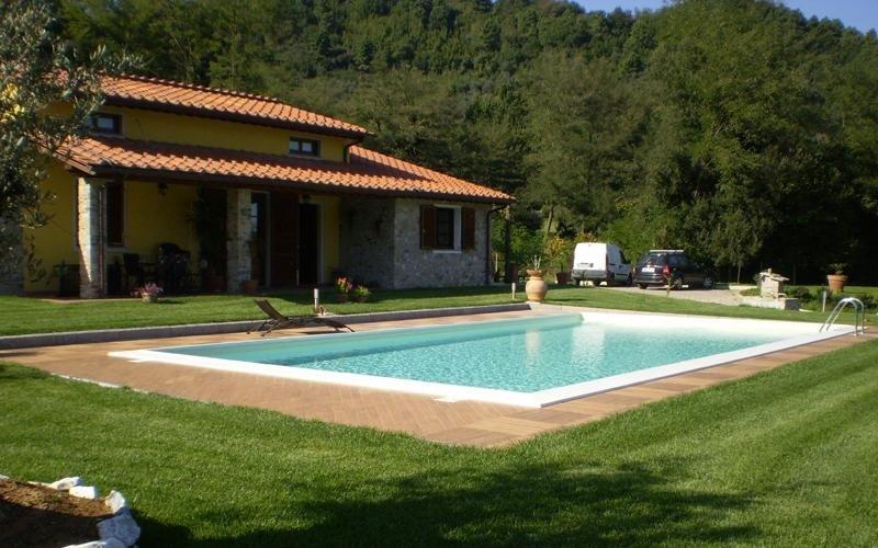 Rivestimenti e pavimenti per piscine