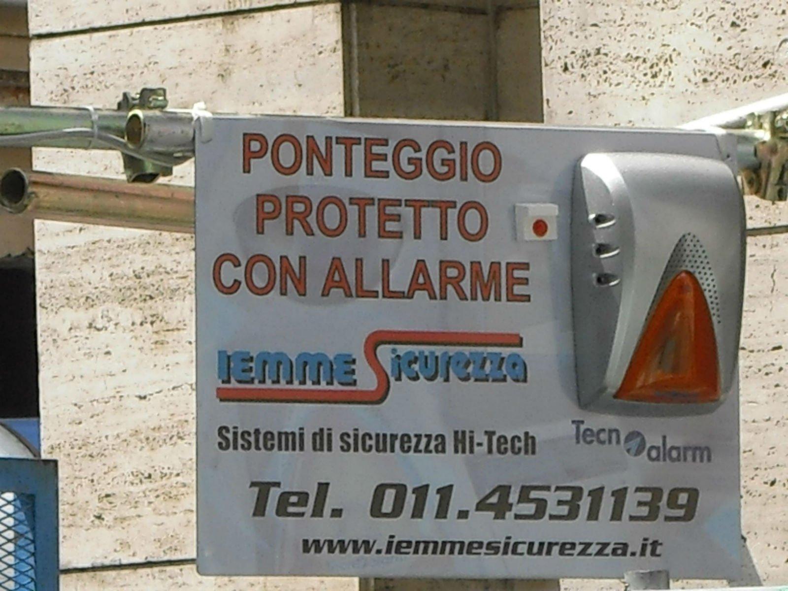 cartello per ponteggio protetto con allarme