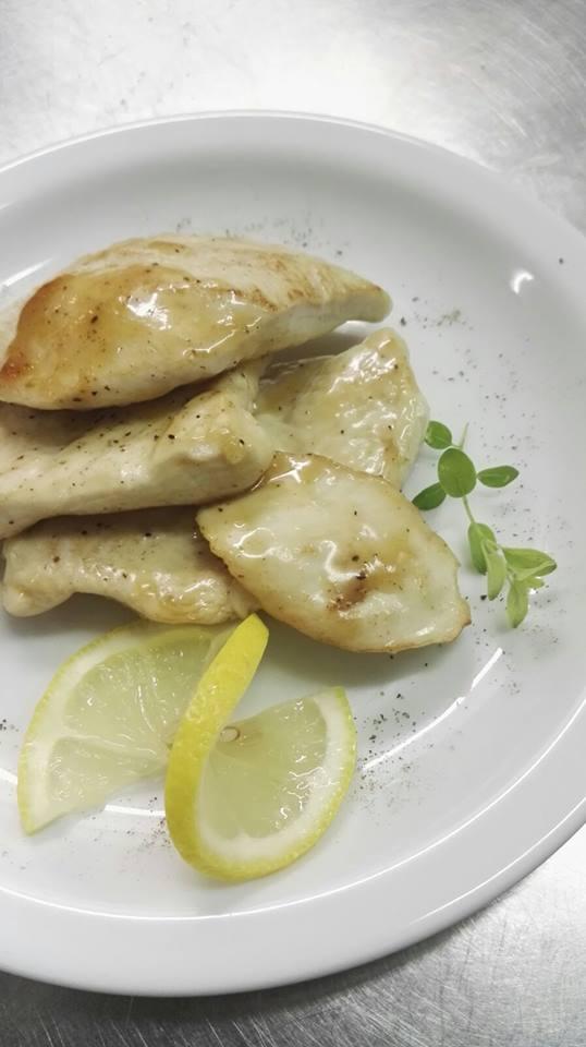piatto di pollo al limone