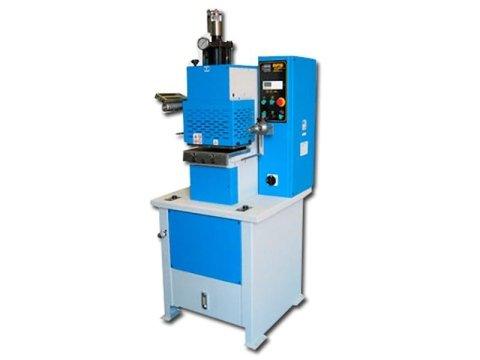 realizzazione presse per stampare a caldo
