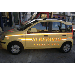 Personalizzazioni grafiche su autovetture aziendali