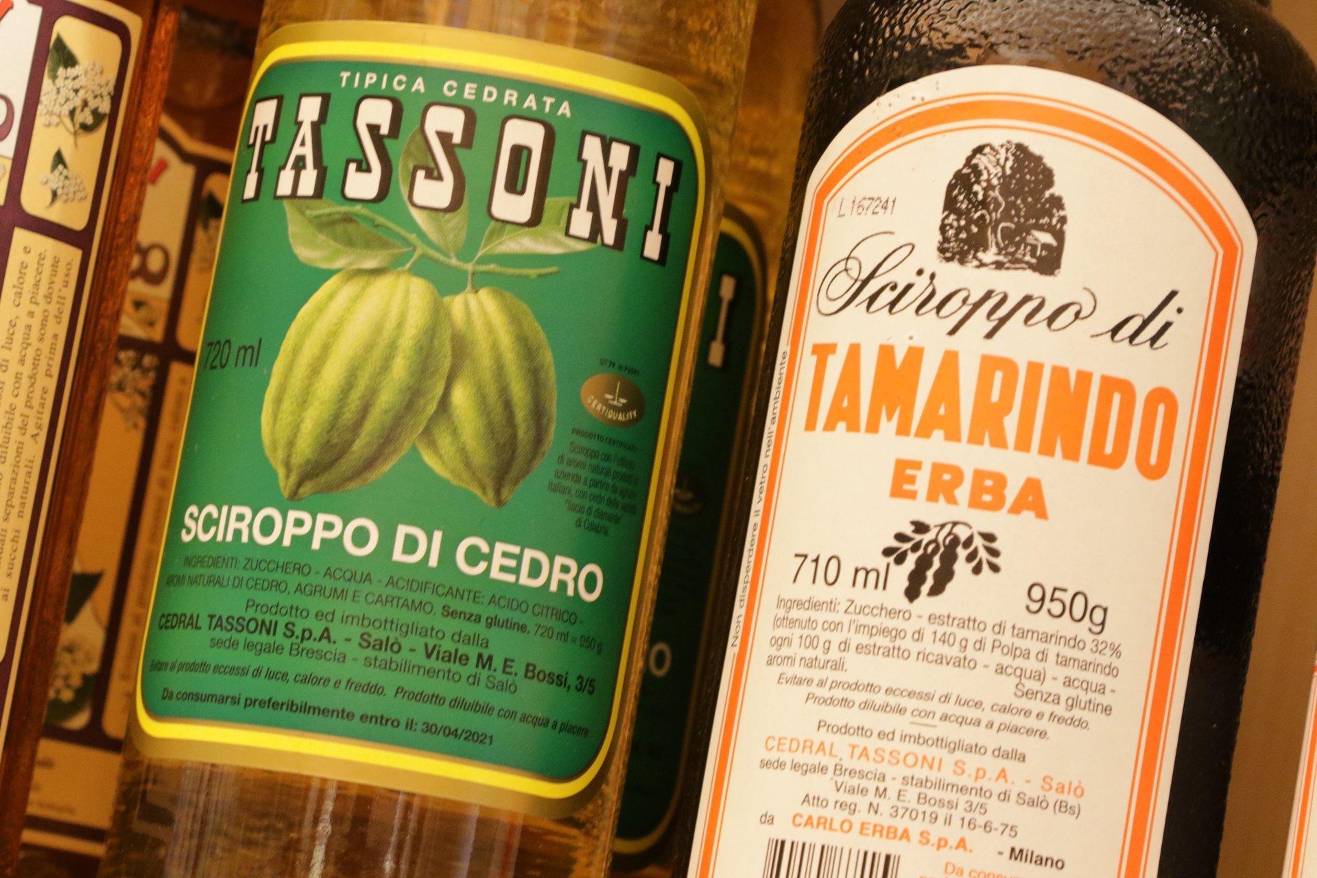 sciroppi a marchio di Tassoni e Tamarindo Erba