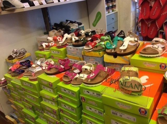 scarpe per bambini, Calzature Fiorini, Siena.
