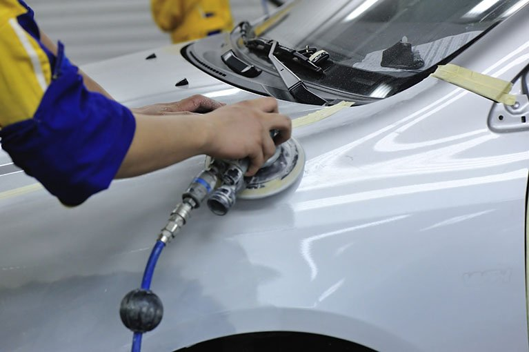 Mechanic providing hail damage repairs in Brisbane