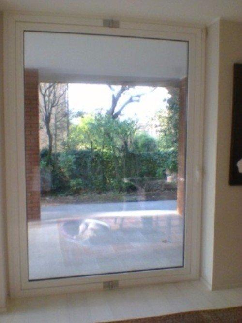 Porta finestra di vetro