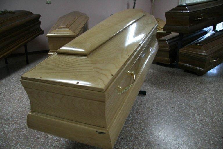 cofano funebre artigianale