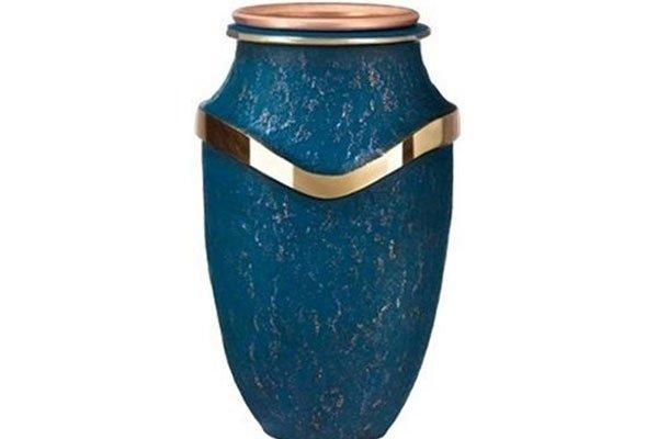 un'urna blu e dorata