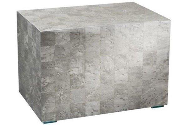 un cubo grigio e a scacchi