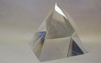 piramide in plexiglass