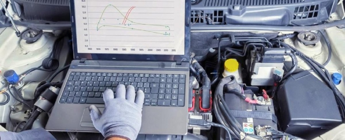diagnosi digitale per efficienza di motori auto