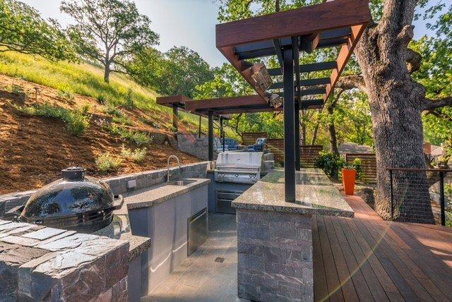 Masonary kitchen with deck