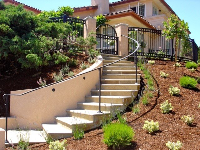 curved masonry steps