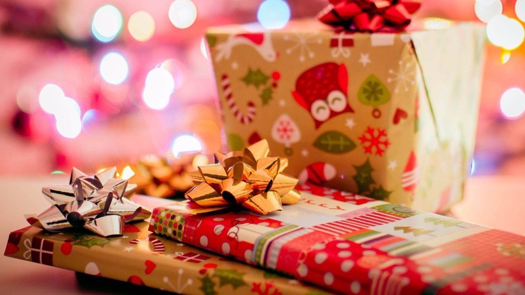 Gift Tips for a Fun and Safe Holiday Season