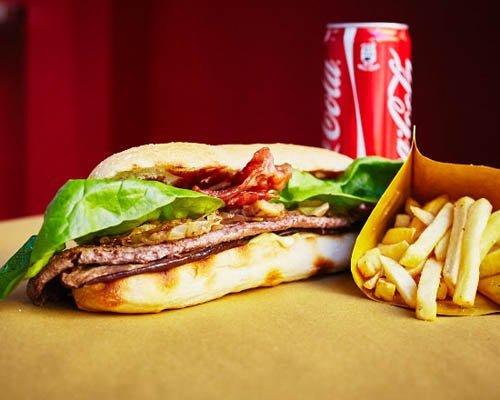 menu hot-dog patatine fritte e bevanda