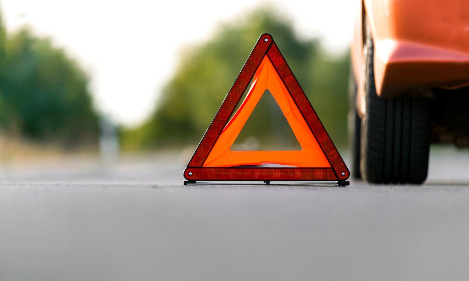 triangolo d'emergenza stradale