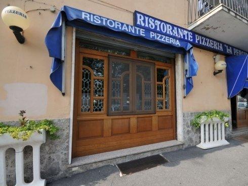 ampia scelta di piatti della cucina italiana e di quella indiana