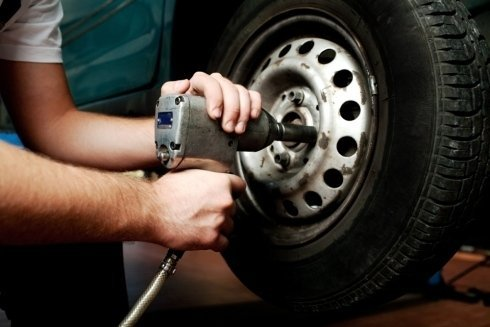 Trattiamo pneumatici da neve, invernali ed estivi e pneumatici per moto e fuoristrada.