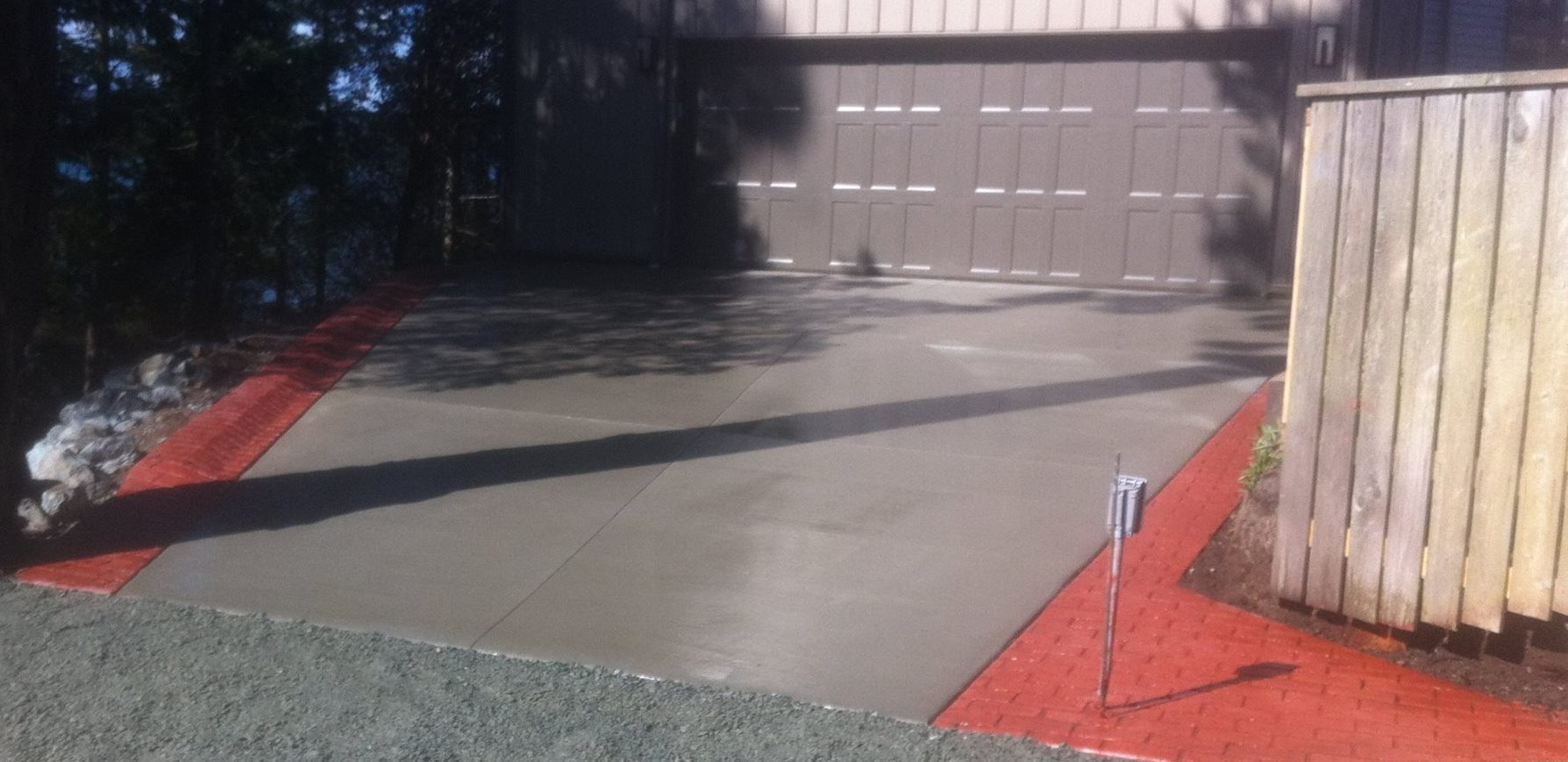 Combination Stamped Concrete and Smooth Driveway
