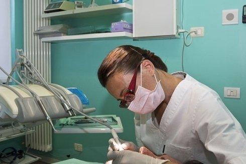 ambulatori di odontostomatologia; ambulatori di ortodonzia, protesi dentarie