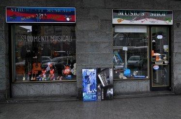 music's shop strumenti musicali