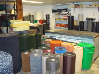 prodotti tecnici in gomma e sintetici disponibili in fogli e in rotoli
