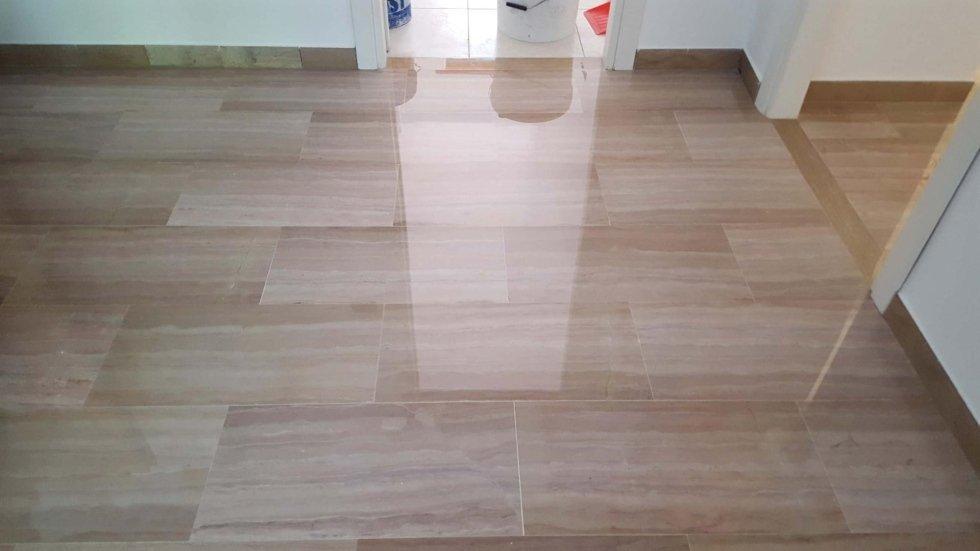 pavimentazione in marmo beige