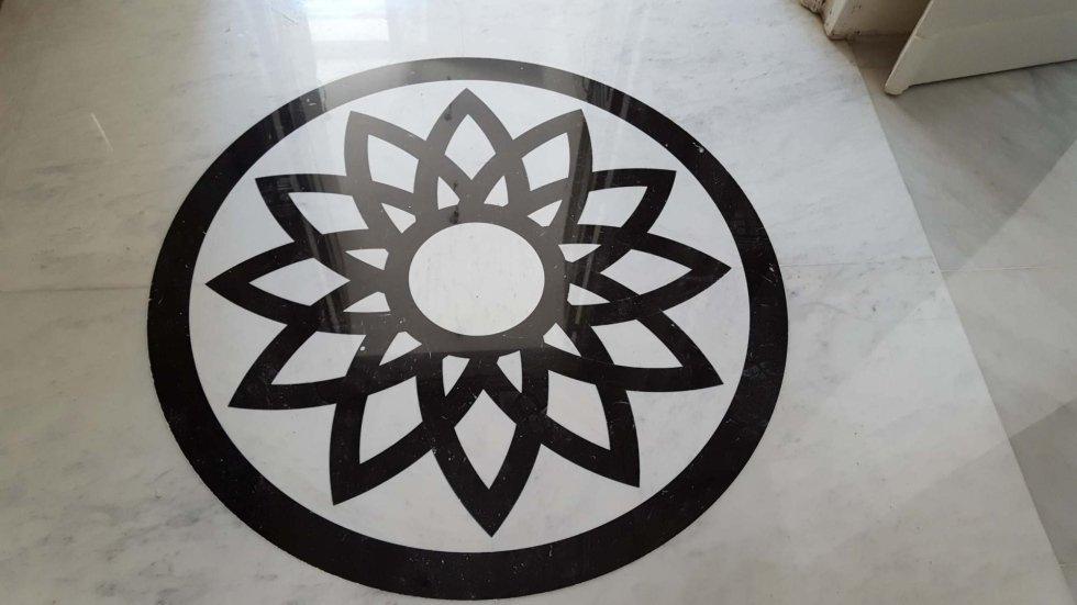 dettaglio decorazione di pavimento in marmo
