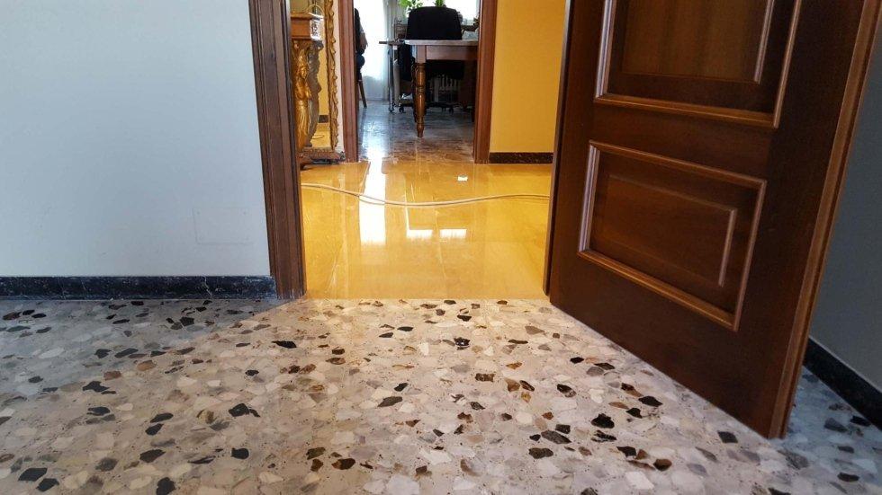 pavimento in pietra e pavimento in marmo dopo lucidatura