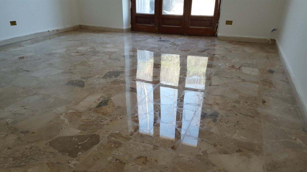 pavimento in marmo dopo levigatura