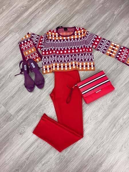 abbigliamento colorato da donna