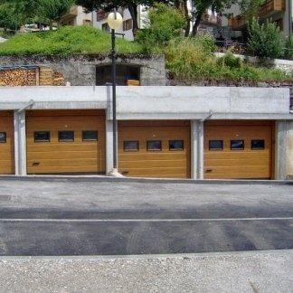 GARAGE SU STRADA