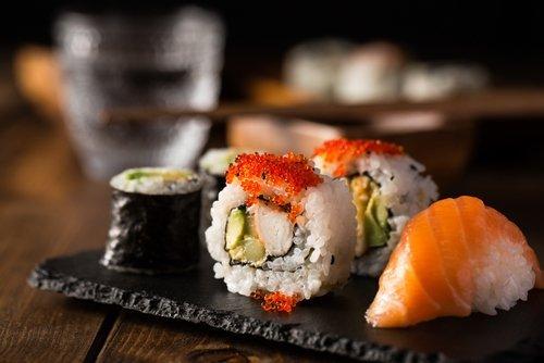sushi roll-Nigiri Sushi-california roll