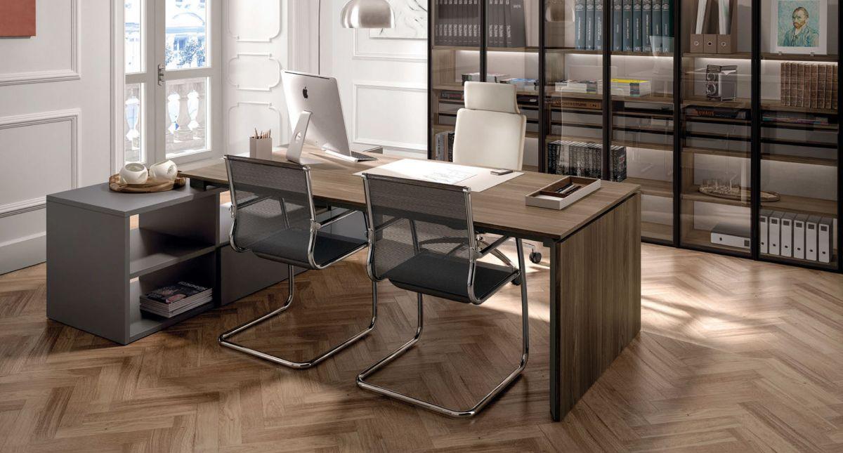 una scrivania moderna in legno