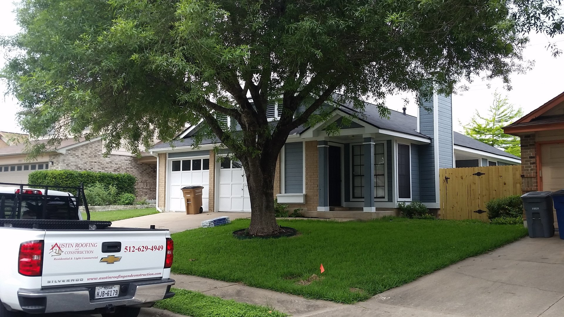 GAF, Royal Sovereign - 25 Year - Color - Charcoal - Austin Roofing and Construction